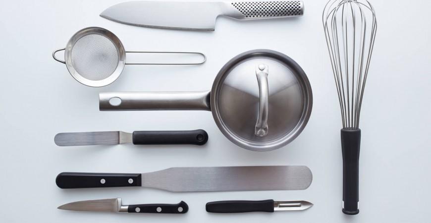 Tu știi care sunt ustensilele care nu trebuie să îți lipsească din bucătarie?